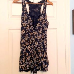 Express Romper with Pockets Size Medium